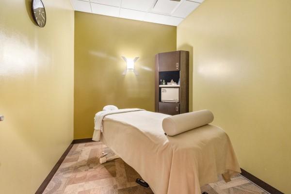 MassageLuXe - Davie treatment room