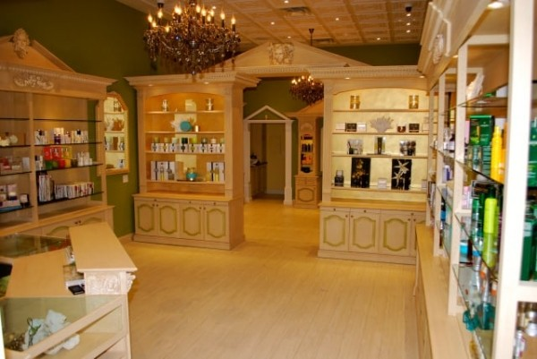 image for Beverly Hills Beauty Lounge