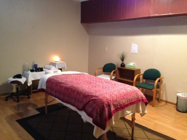 image for a2zhealth Massage Therapy School - Thousand Oaks
