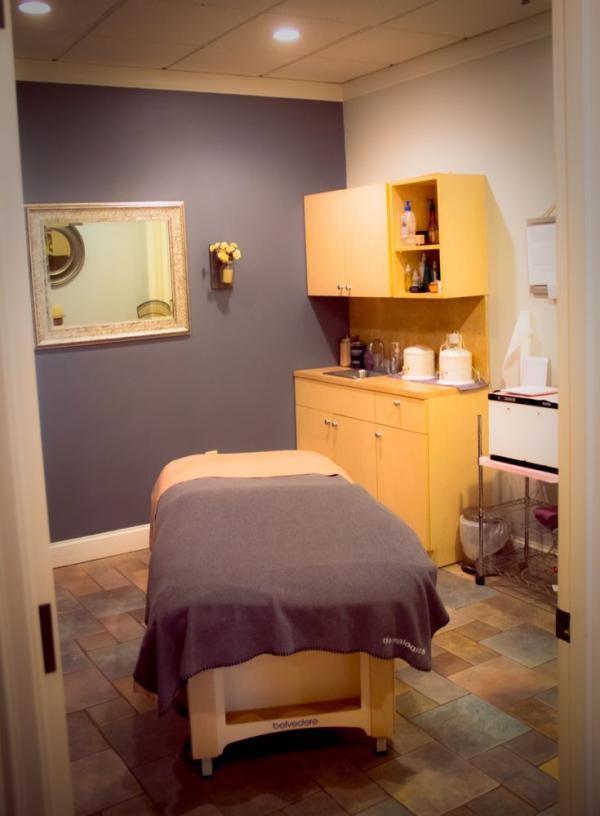 Slide image 4 of 7 for bliss-spa-salon