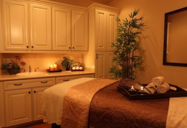 Eden Day Spa treatment room