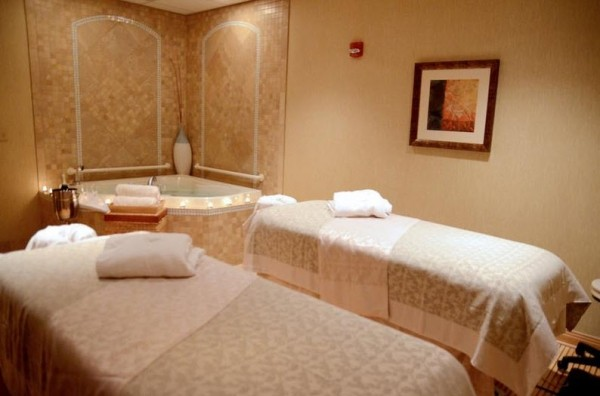 Spa Botanica at Embassy Suites Couples Room