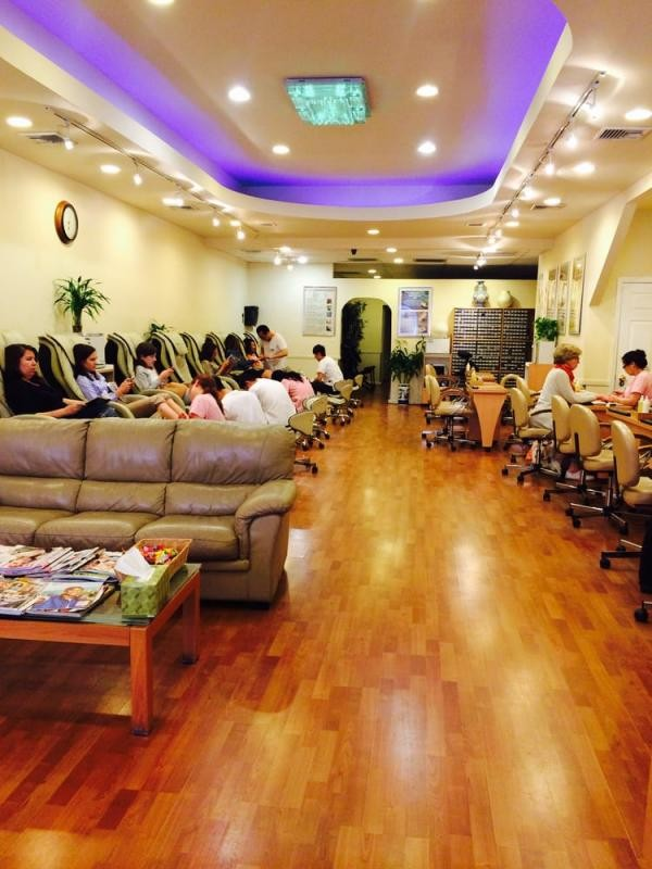 image for QQ Nail and Spa - Greenwich Ave