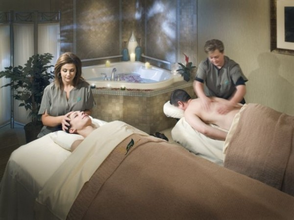 Spa Botanica at Embassy Suites couples massage