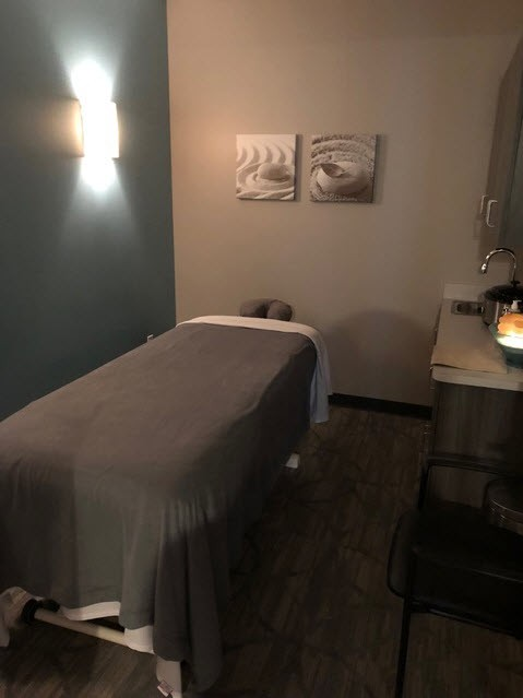 Hand & Stone Massage and Facial Spa - Jacksonville Beach massage room