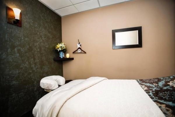 Slide image 7 of 12 for massage-heights-irvine-westpark