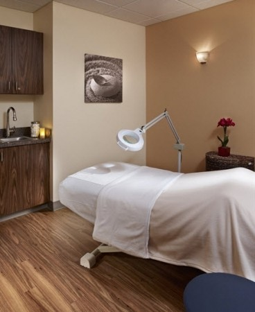 image for Hand & Stone Massage and Facial Spa - Maple Grove