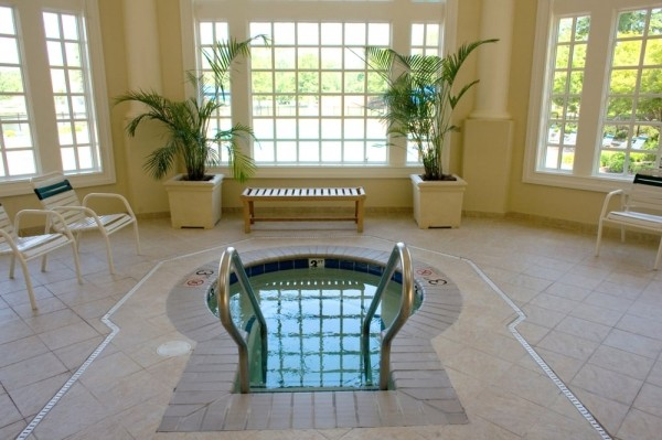 Flowering Almond Spa at The Founders Inn Jaccuzi