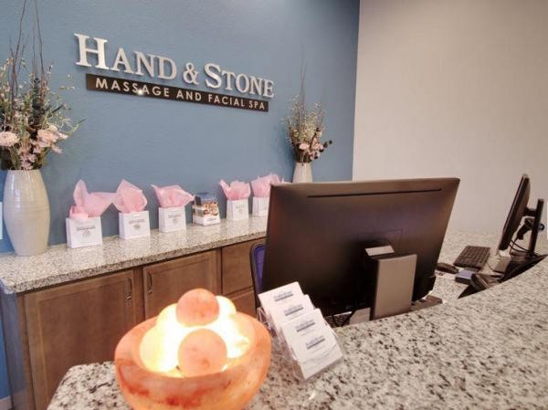 image for Hand & Stone Massage and Facial Spa - Glendale